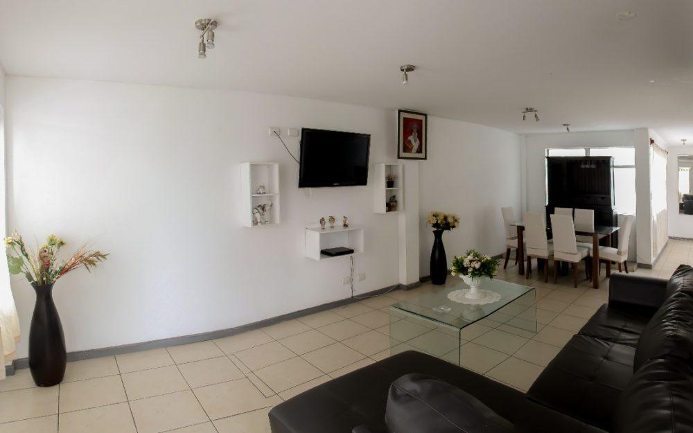 Alquiler de amplio Departamento de dos Dormitorios en Barranco