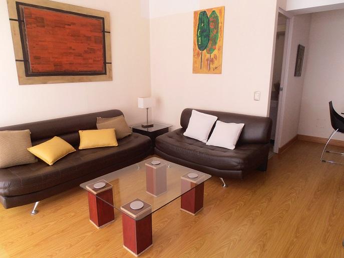 Lindo duplex de 1 dormitorio en alquiler en el corazón de Miraflores – MIW64