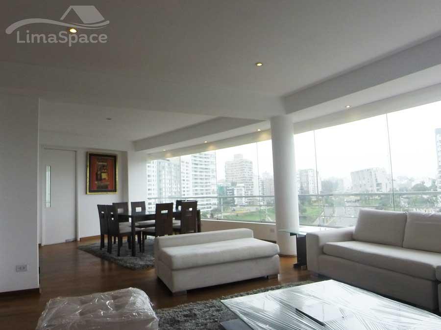 Amplio y exclusivo departamento de tres dormitorios en el Malecon Armendariz