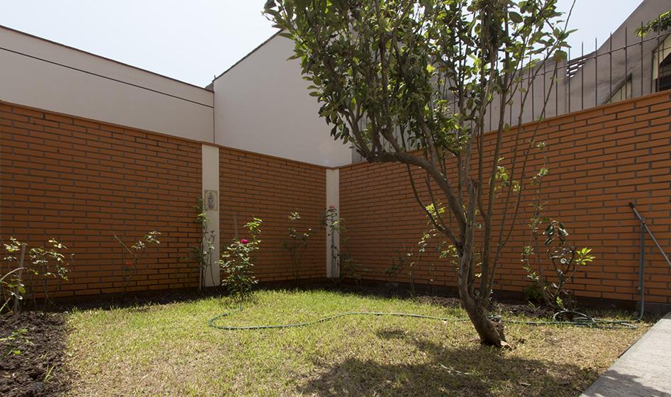 Minidepartamento con jardín en Corpac