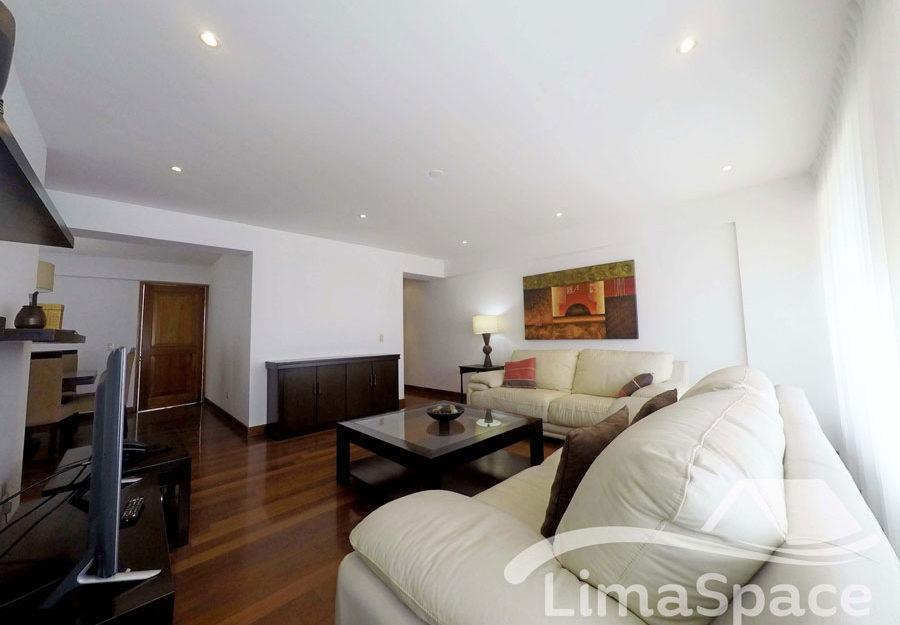 Departamento Amoblado de 145 m2, 3 Dormitorios y 2 Estacionamientos – SIR62