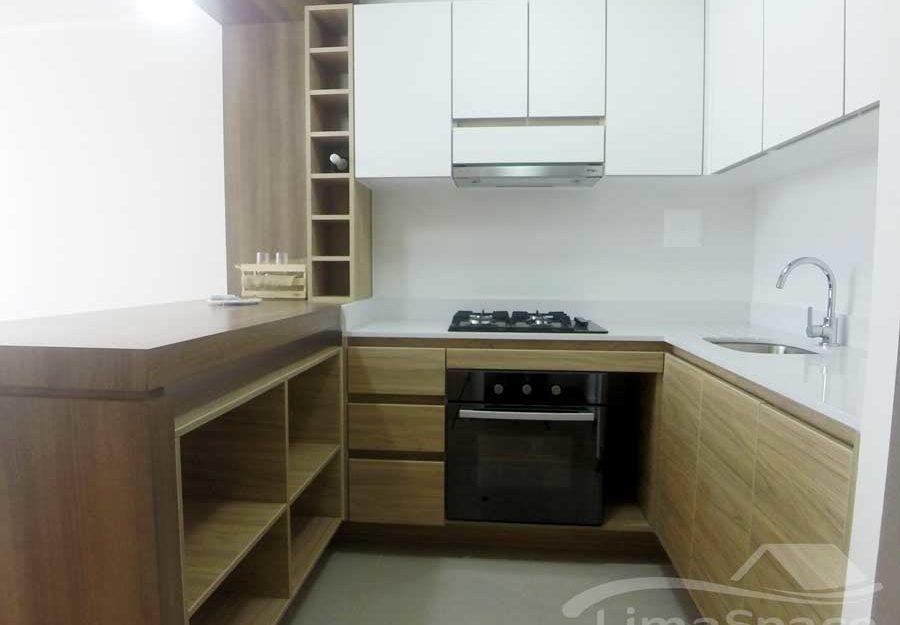 Lindo Departamento de Un Dormitorio mas Estudio en Barranco limite con Miraflores