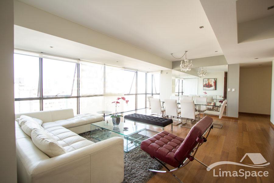 Penthouse con vista moderno y lujoso