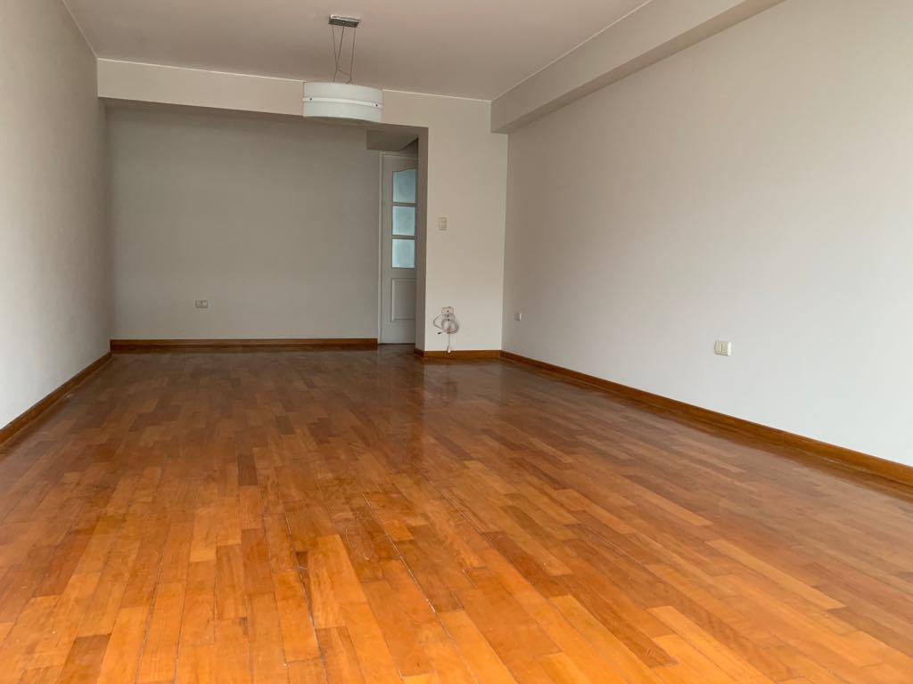 Departamento sin muebles en alquiler de 3 dormitorios – MIW101