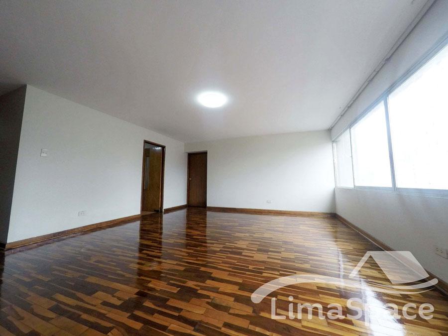 Alquilo amplio Departamento Sin Muebles de 3 Habitaciones – MIR213